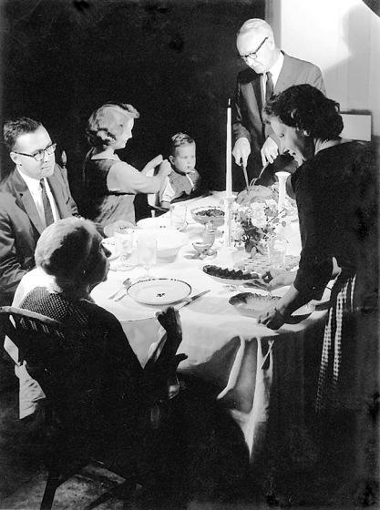 crockwell-family-dinner-photo-gs